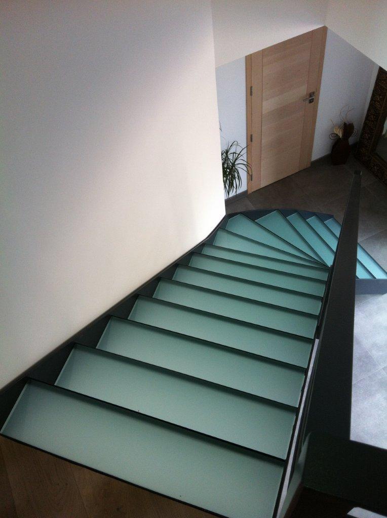 escaliers marches en verre atelier du verre cr ations. Black Bedroom Furniture Sets. Home Design Ideas