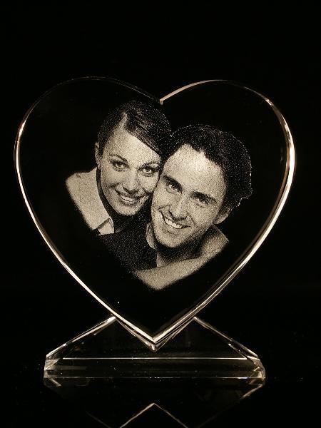 gravure photo sur coeur en verre atelier du verre cr ations. Black Bedroom Furniture Sets. Home Design Ideas