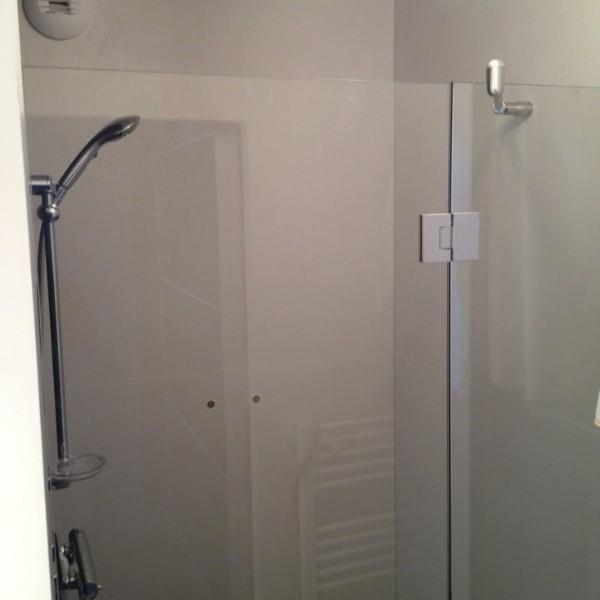paroi de douche en verre atelier du verre cr ations. Black Bedroom Furniture Sets. Home Design Ideas
