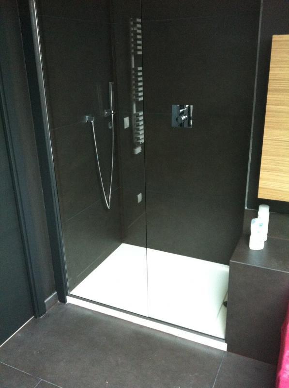 porte de douche en verre showerguard pictures to pin on. Black Bedroom Furniture Sets. Home Design Ideas