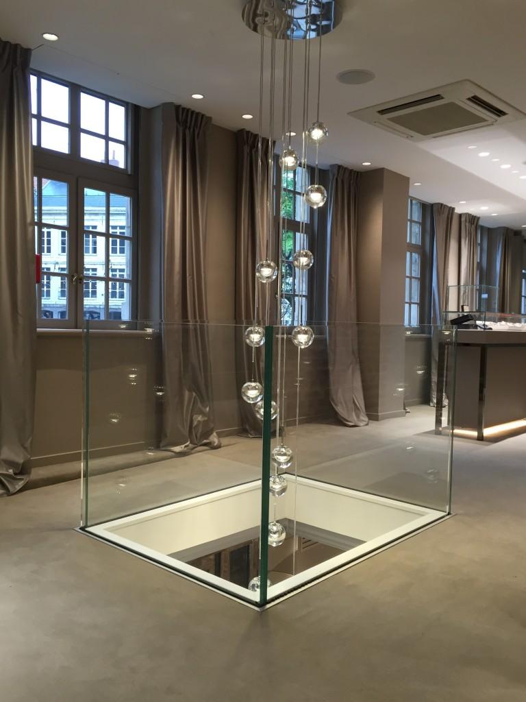 Garde corps en verre pou réa bijouterie Lepage à Lille
