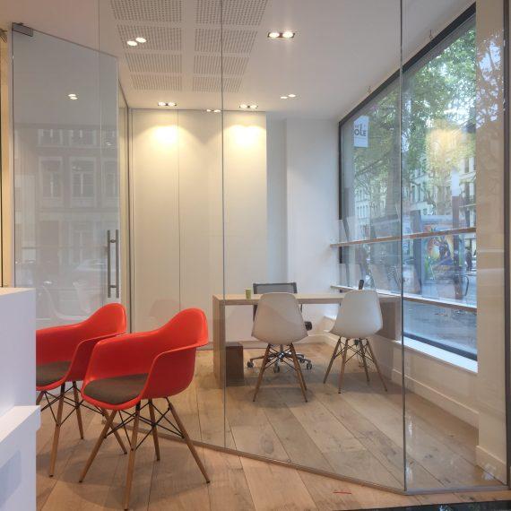 Cloison de bureau et dalle de sol en verre atelier du verre cr ations - Plaque de verre bureau ...